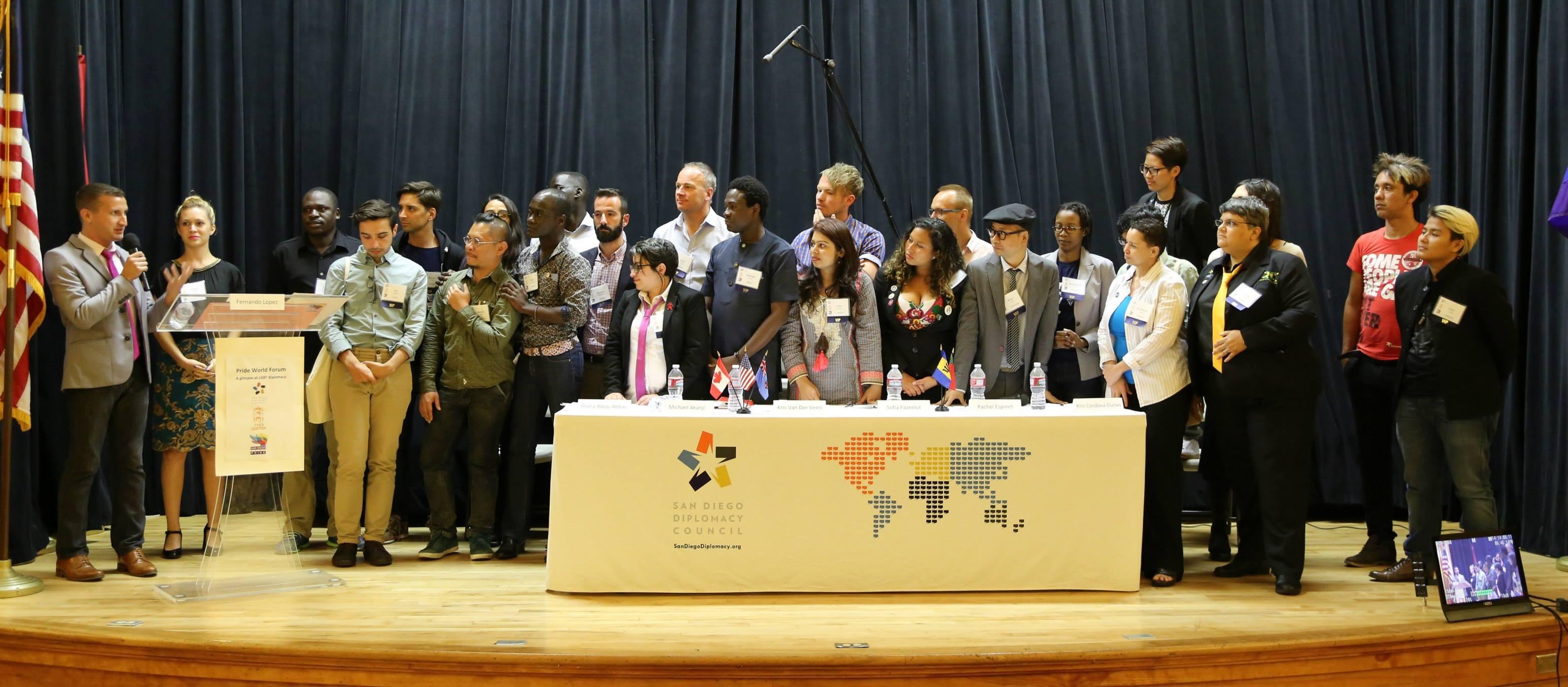 fernando-moderates-pride-world-forum-2015